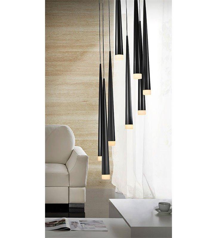 Lampa wisząca Stylo8 8 punktowa długa spirala z czarnymi smukłymi kloszami nad schody stół do salonu jadalni sypialni