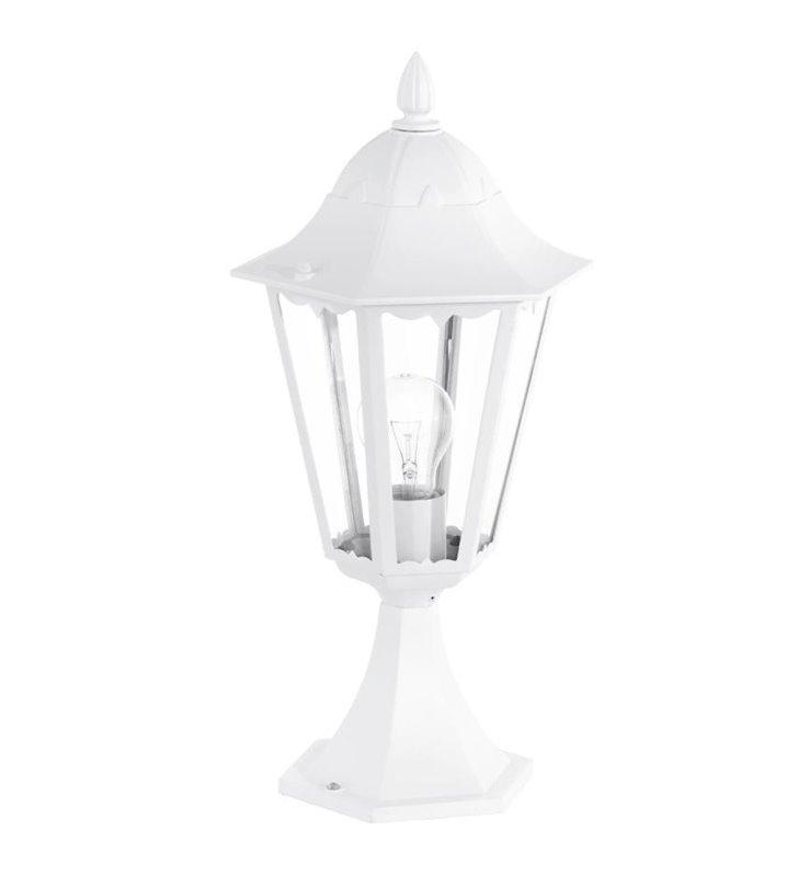 Niski biały słupek ogrodowy Navedo 47cm klasyczna latarenka