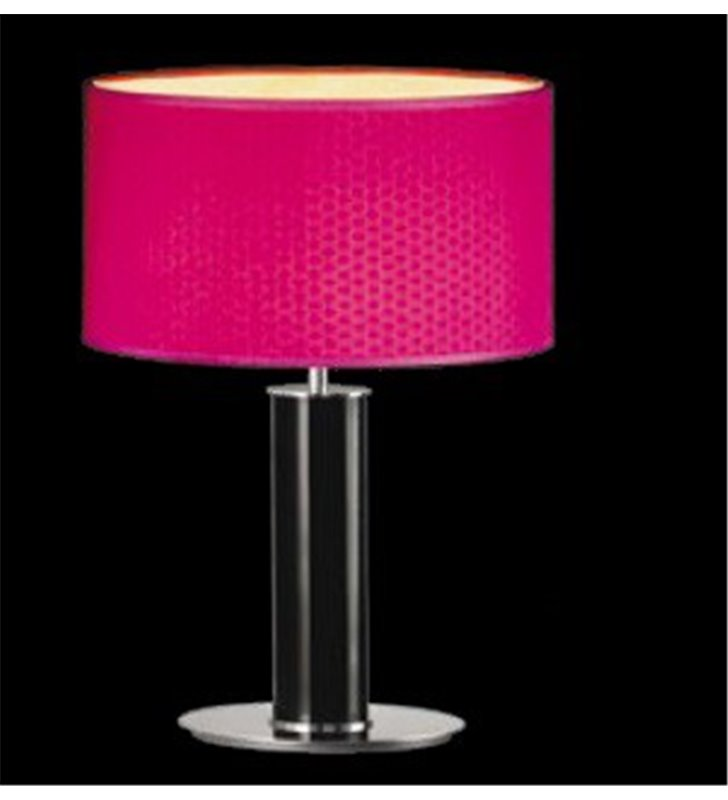 Bliss (K) wysoka lampa stołowa gabinetowa czarna podstawa z malinowym abażurem wzór na materiale widoczny po zaświeceniu lampy