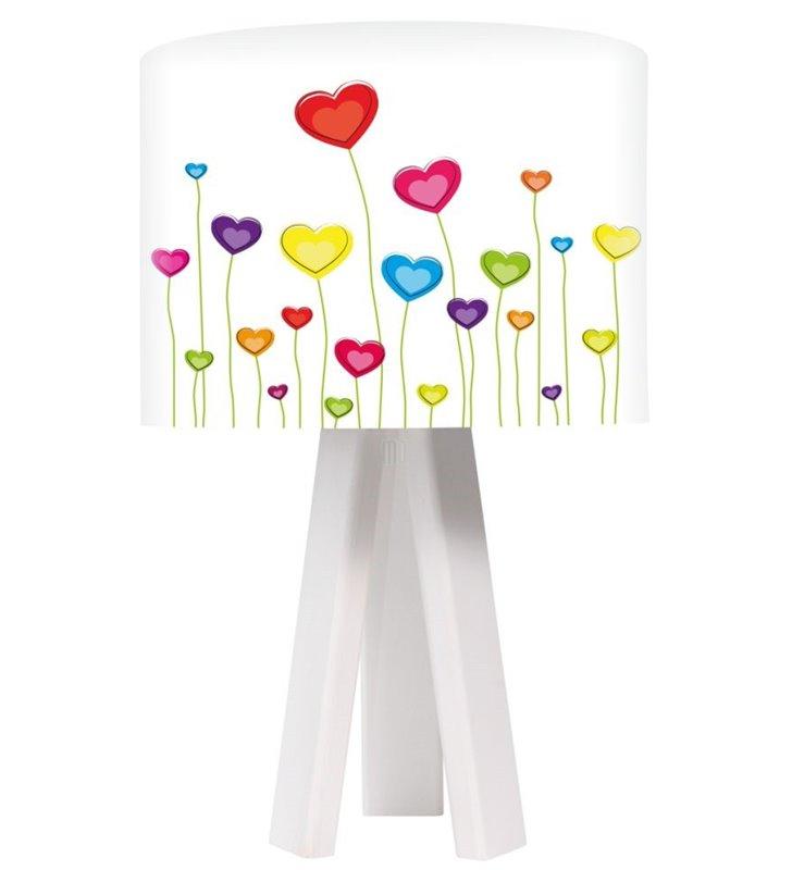 Lampa stołowa na białym drewnianym trójnogu Łąka Serc do pokoju dziecięcego