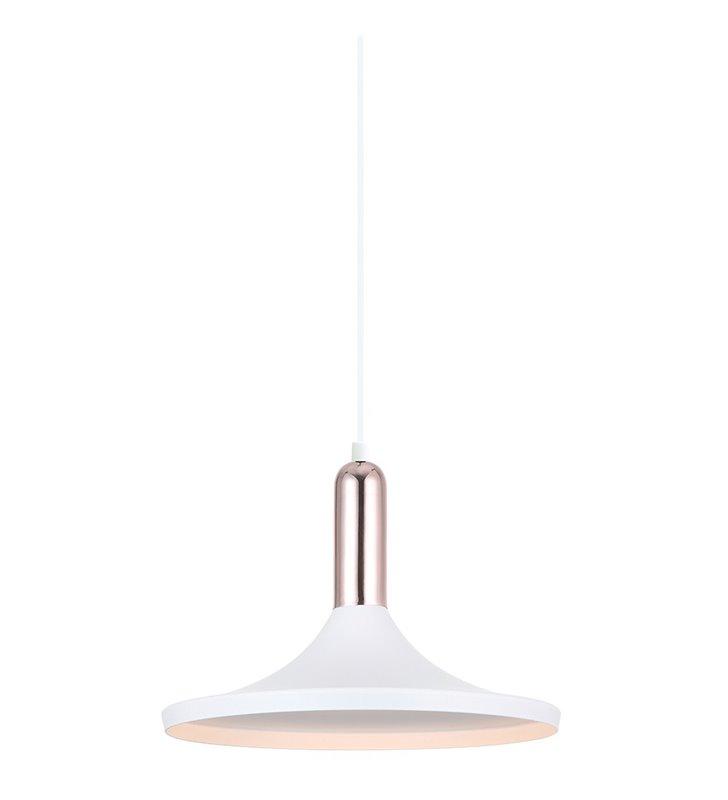 Lampa wisząca Lusty biała z szerokim kloszem miedziany detal