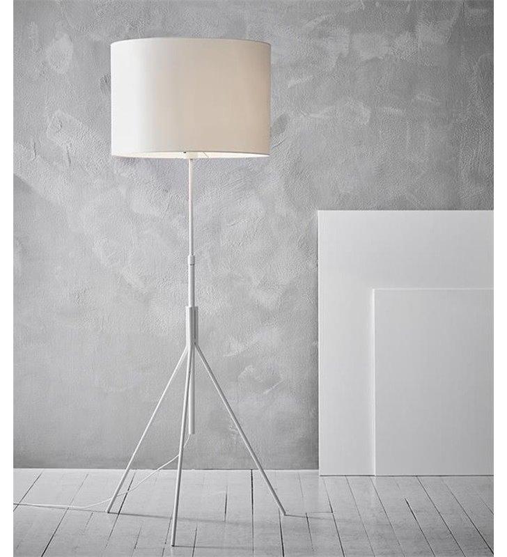 Lampa podłogowa Sling biała nowoczesna na 3 metalowych nogach