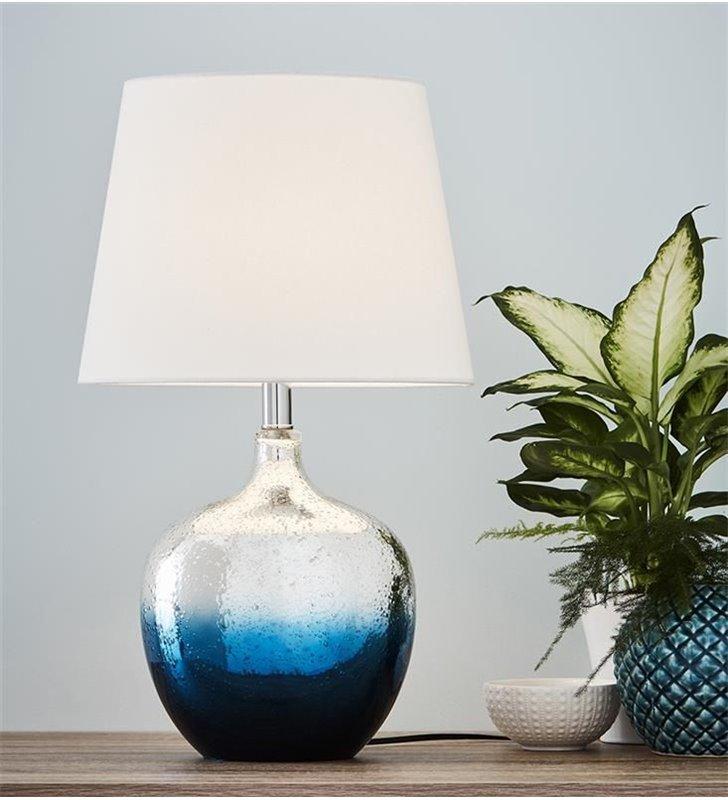 Lampa stołowa Ocean chromowano niebieska szklana podstawa biały abażur na stolik nocny komodę
