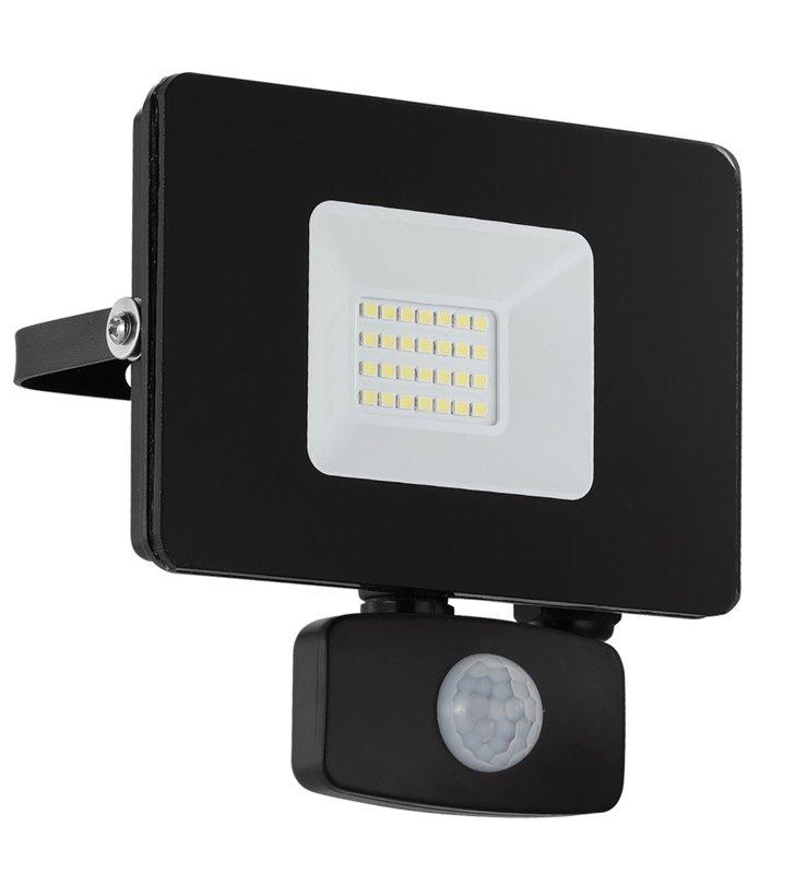 Czarny naświetlacz zewnętrzny Faedo3 LED z czujnikiem ruchu 20W 5000K 1800lm IP44
