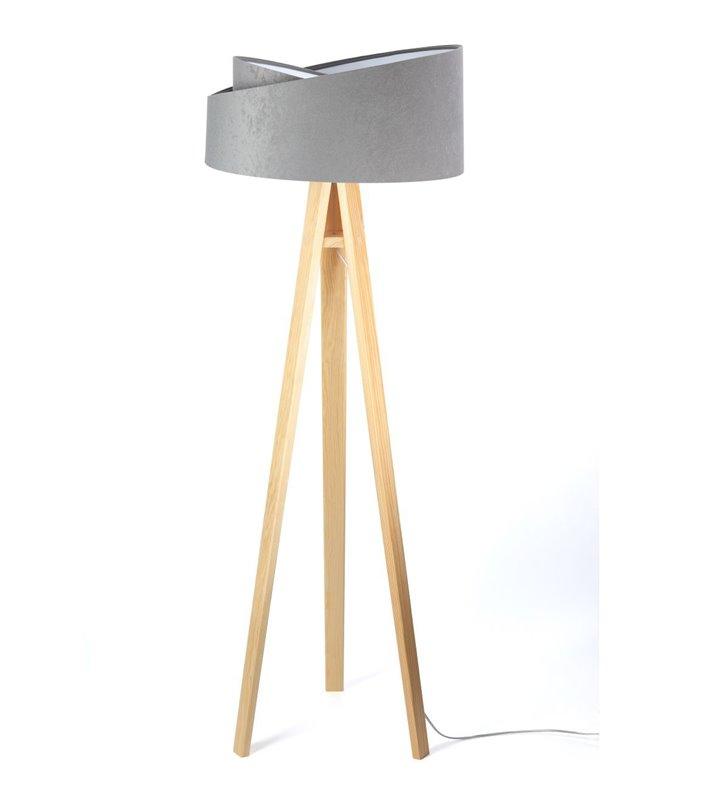 Szara lampa stojąca na 3 sosnowych nogach Tami