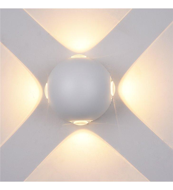 Biały okrągły nowoczesny mały kinkiet zewnętrzny ogrodowy Carsoli LED 4 kierunkowy strumień światła góra dół boki