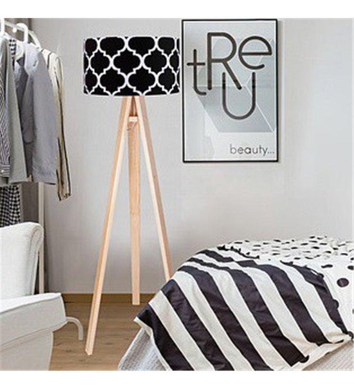 Lampa podłogowa Trebol czarny abażur ze wzorem koniczyna marokańska biała lub sosnowa drewniana podstawa