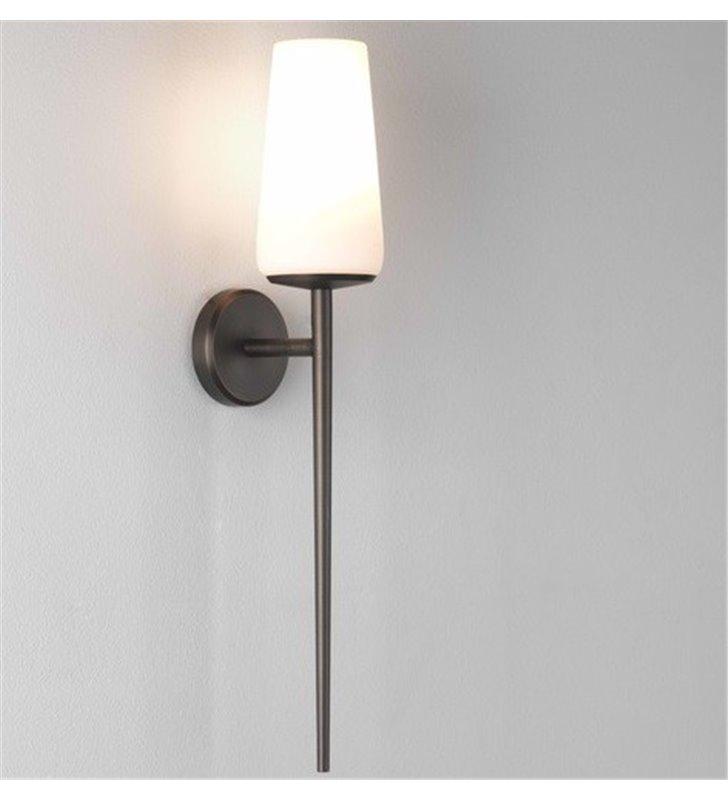 Wysoka lampa ścienna do łazienki Beauville brązowa