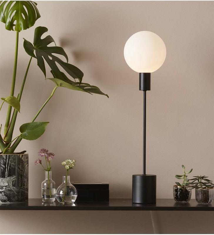 Minimalistyczna lampa...